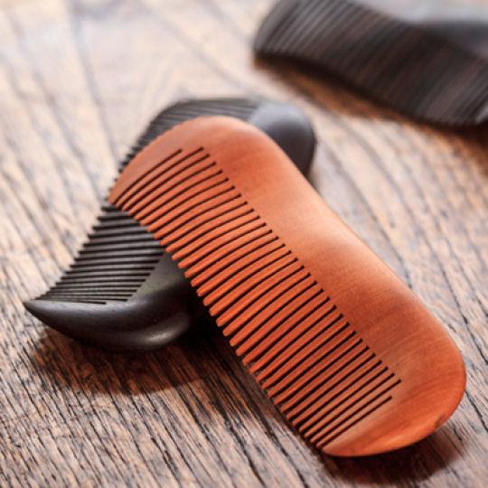 Hineri Kamisuki Wooden Twist Hair Comb Dark