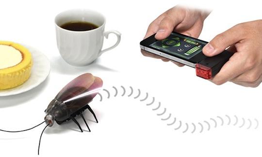 Gokiraji iPad, iPhone Remote Control Cockroach