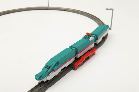 Nanoblock nanoGauge Shinkansen Series E5 Hayabusa Electric Train