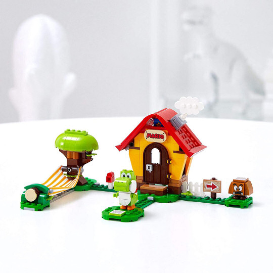 Lego Super Mario Marios House and Yoshi Expansion Set