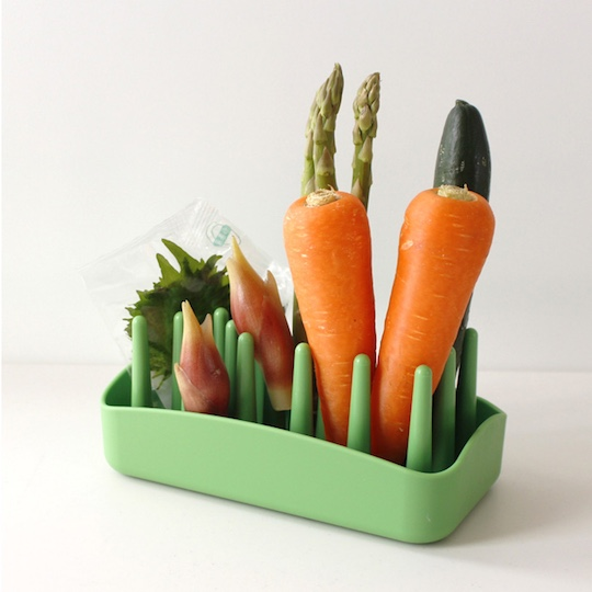PLYS Veggie Mage Vegetable stand