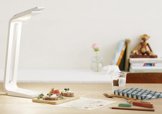 SnapLite Desk Lamp iPhone5 Scanner